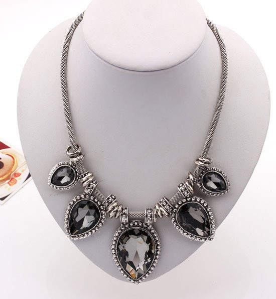 103f63b564d Hot New Fashion Necklace Link Choker Chain Statement Necklace Luxury  Shining Charm Crystal Pendant Necklace