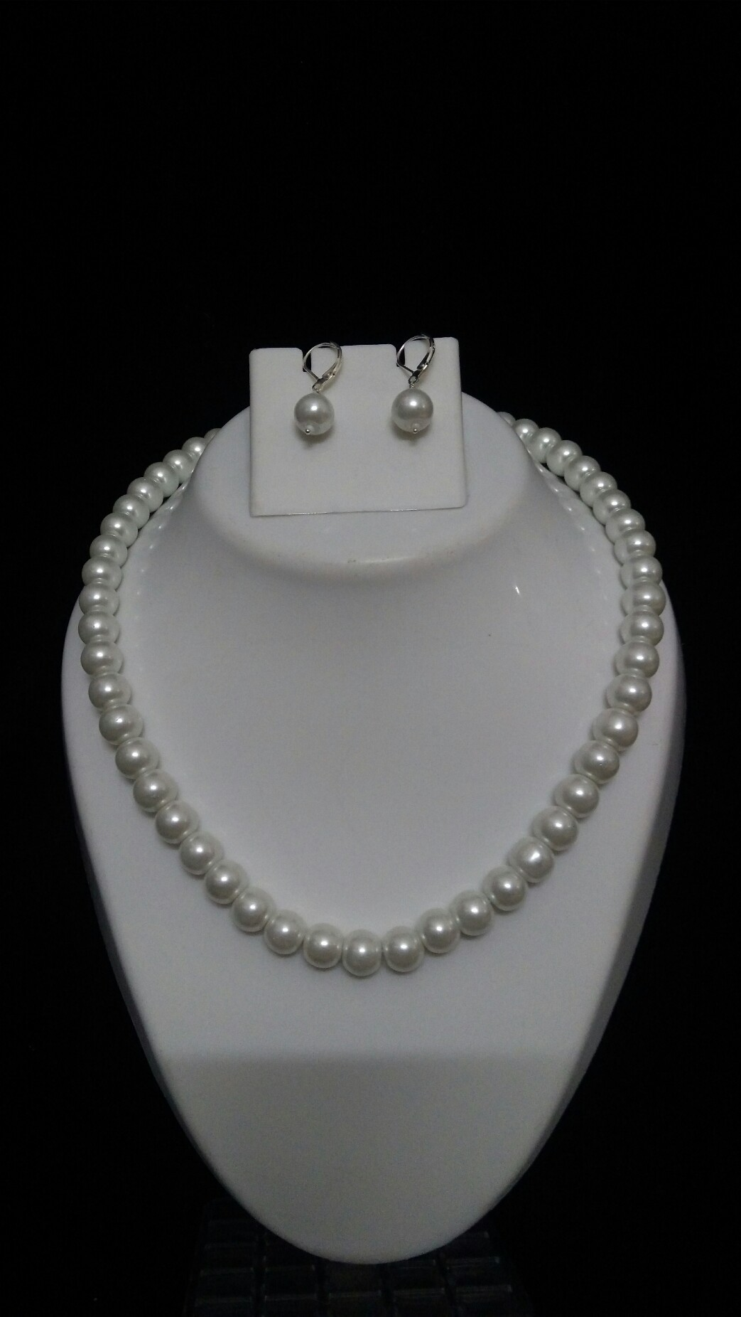 66192e591f561 Stunning white pearl necklace set with one yr replacement warranty